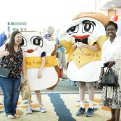 Festival attendees could also mingle with Mr. and Mrs. Slice
